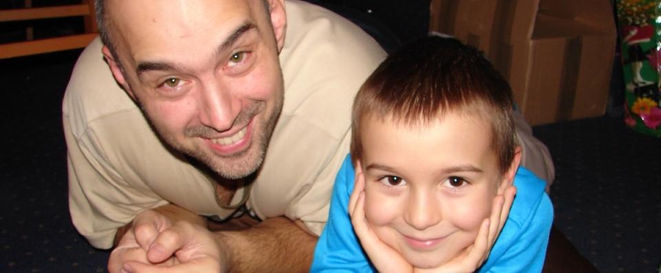 Můj syn bude jen chvíli držet moji ruku, ale mé srdce bude držet celý život